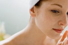 3 حلول سهلة لعلاج انسداد مسام البشرة