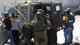 الاحتلال يعتقل 4 مواطنين من الخليل