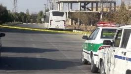 إيران.. فار من الشرطة يلجأ إلى حافلة ويحتجز ركابها رهائن