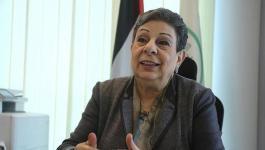 الرئيس يقبل استقالة عضو اللجنة التنفيذية حنان عشراوي