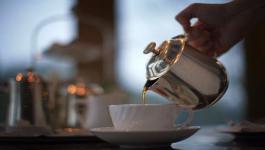 ما هي فوائد إضافة الليمون إلى الشاي ؟
