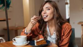 كيف تتخلص من الرغبة في تناول الحلويات؟