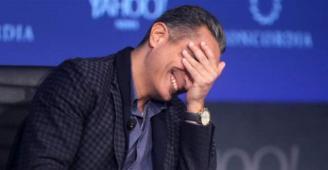 باسم يوسف يشارك في تحدّي الـ10 سنوات بصورة