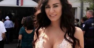 بالفيديو: نادين الراسي تلفُّ جسدها بالشرشف.. وهكذا بدت على سرير النوم!