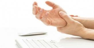 متى يستدعي تنميل اليد زيارة الطبيب؟