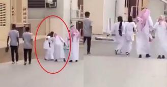 فيديو...مسن سعودي يتحرش بممرضة