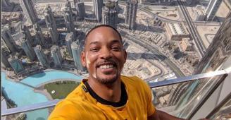 هذا ما قاله ويل سميث من قمة برج خليفة في دبي