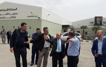 الوزير الحساينة يتفقد جاهزية مدينة الحجاج بالجانب الأردني