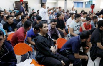 """واشنطن ستطردهم ودولة خليجية تستقبلهم.. مباحثات لاستضافة 200 ألف مهاجر في """"قطر"""""""