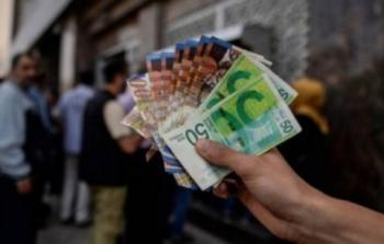 المالية تصرف رواتب موظفي السلطة ونسبة الصرف بغزة 50%
