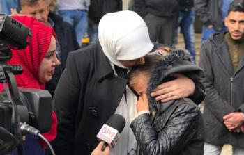 الاحتلال منع عائلة طفلة غزية من الخروج معها إلى رام الله لزراعة الكلى..