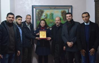 «الديمقراطية» تواصل زيارة المؤسسات الإعلامية في قطاع غزة