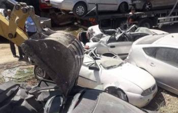 الشرطة تضبط وتتلف 50 مركبة غير قانونية في الخليل