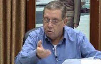 الرئيس ينعى المناضل غسان الشكعة