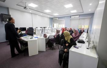 مركز العمل التطوعي في الكلية الجامعية للعلوم التطبيقية يطلق برنامج قادة يوكاس التدريبي