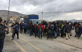 شبان يغلقون شارع القدس احتجاجا على سياسات
