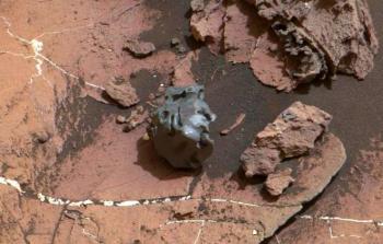 اكتشاف جسم غريب على سطح المريخ!