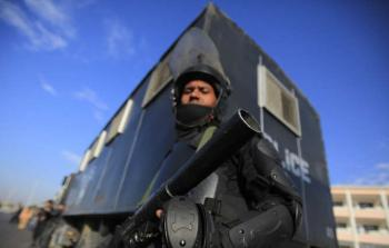 عضو جماعة تكفيرية يعترف على الهواء بقتله ضابطا مصريا (فيديو)