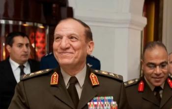 """سامي عنان في مرمى نيران الإعلام المصري:اتهامات بالجملة لـ""""الجنرال المعزول"""""""
