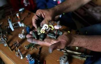 غزة..شاب يحول أدوات القتل الإسرائيلية إلى حياة