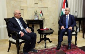الحمد الله للعمادي: نتواصل مع المجتمعين الدولي والعربي لحشد الدعم لغزة