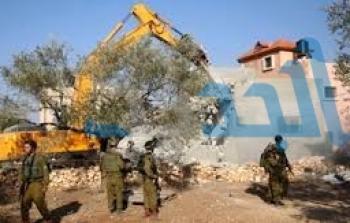 الاحتلال يهدد عائلات بشعفاط بهدم منازلها