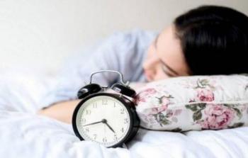احذري السهر ليلاً والنوم نهارًا.. لهذا السبب الخطير