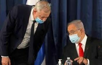 نتنياهو يدعو غانتس للتراجع عن الانتخابات والأخير يحمله مسؤولية فشل عمل الحكومة