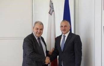السفير حنانيا يبحث مع رئيس الأكاديمية الدبلوماسية سبل تعزيز التعاون