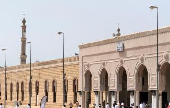 بعد الكشف عن إصابات بكورونا بين المصلين إغلاق 10 مساجد بالسعودية
