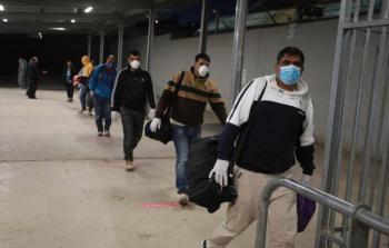 الاحتلال يؤجل عملية تطعيم العمال الفلسطينيين ضد فيروس كورونا