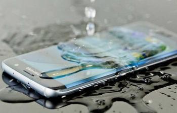 طرق إصلاح الهاتف عند تسرب الماء إليه