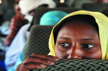 اغتصاب طبيبة سودانية في موقف مواصلات.. ومفاجأة حول المغتصب