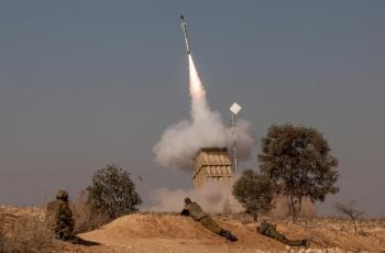 نشر القبة الحديدية وسط إسرائيل تحسبا لإطلاق صواريخ من غزة