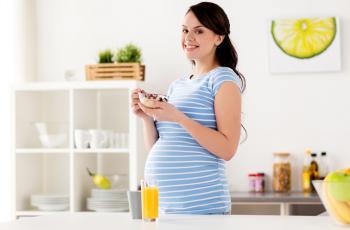 هذه الأطعمة تزيد خطر الإجهاض.. تجنّبيها
