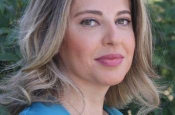 ناشطة أردنية تُهاجم المجتمع بسبب عهد التميمي.. شاهد ماذا قالت؟