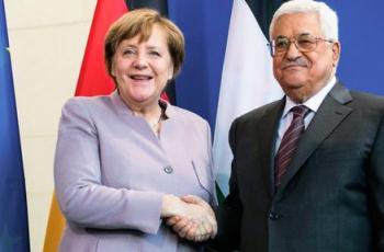 في رسالة تلقاها اشتية:ميركل تؤكد استمرار ألمانيا بمساندة فلسطين