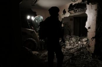 قوات الاحتلال تفجر منزل عائلة الشهيد عمر أبو ليلى في سلفيت