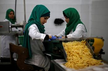 2019-03-07T162709Z_652595121_RC1DDC04F770_RTRMADP_3_WOMENS-DAY-GAZA-FACTORY.jpg