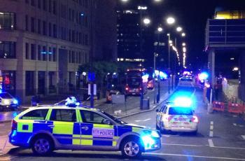 715676-جسر-لندن---الشرطة-البريطانية.jpg