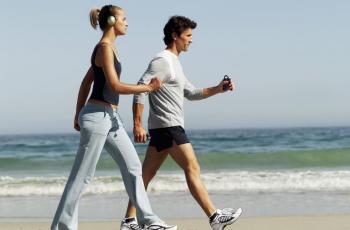 78-134214-walking-sport-benefits-warnings-2.jpeg