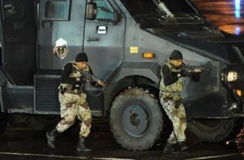 القبض على 3 أشخاص استولوا على مبالغ من الصراف الآلي في السعودية