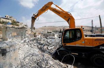 الاحتلال يهدم منزلا في منطقة جبل جوهر بالخليل