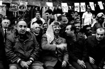 تفاصيل تنشر لأول مرة.. إسرائيل خططت لاغتيال أبو عمار وأبو جهاد بتفجير استاد بيروت