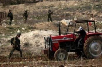 الاحتلال يستولي على جرار زراعي ويطرد مزارعا من أرضه شرق بيت لحم
