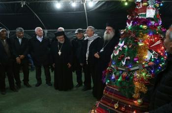 إضاءة شجرة الميلاد في القدس المحتلة ضمن إجراءات وقائية