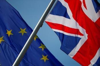 الاتحاد الأوروبي يوصي برفع حظر الرحلات مع بريطانيا