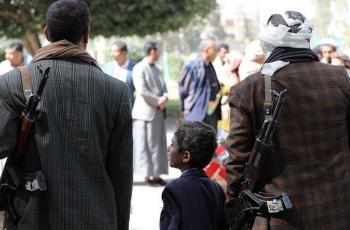 الحوثيون يعلنون عودة 15 شخصا من قوات الرئيس هادي إلى