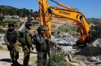 الاحتلال يهدم منشآت سكنية وزراعية ويشرد 20 مواطناً في خربة السيميا