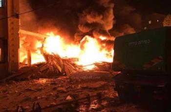 10 إصابات جراء انفجار خزانات وقود على الحدود اللبنانية السورية